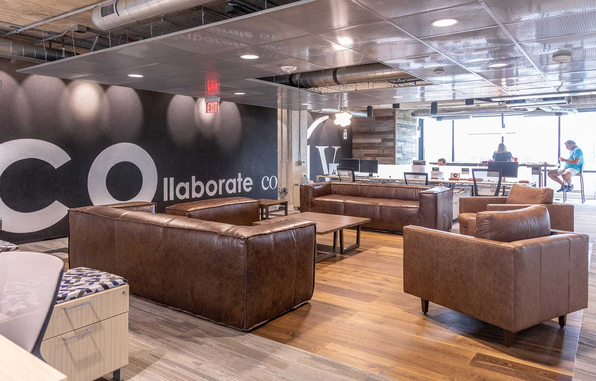 3 Reasons Coworking Spaces are the Best Hybrid Solution