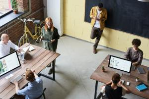 7 Effective Ways to Manage Teams in Coworking Spaces